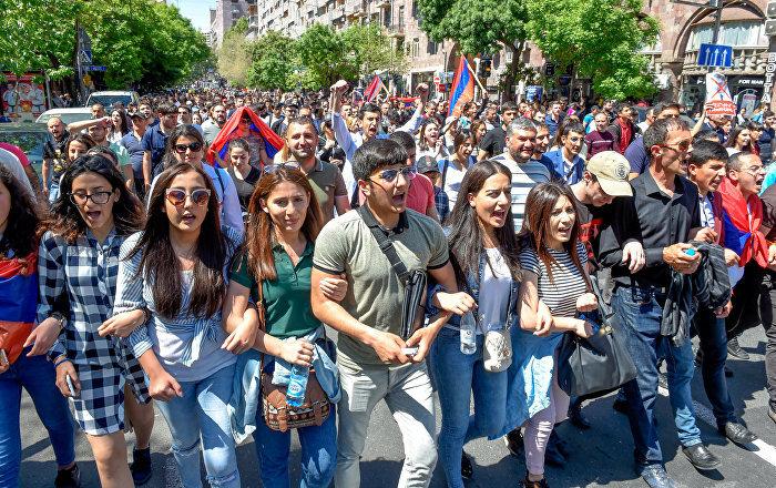«Студенты против»: Реформа образования в Армении вызвала волну протестов