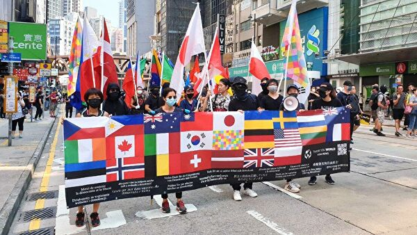 «Удобная мишень»:США провоцируют Китай на силовое вмешательство в Гонконг