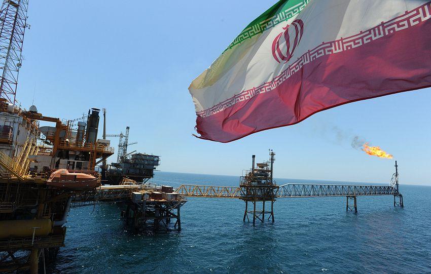 Иран заявил о готовности поставлять нефть в Беларусь