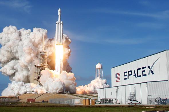 Кто и как строит новые ракеты в США?