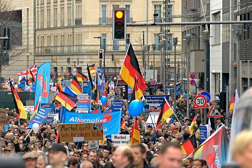 Политический кризис в Германии: удержит ли власть ХДС после ухода Меркель