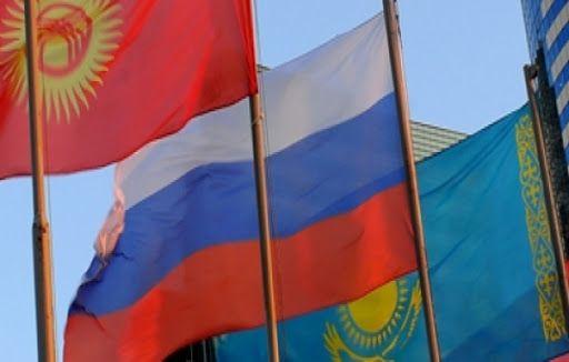 Казахстан, Кыргызстан и Россия примут меры против колебаний валют