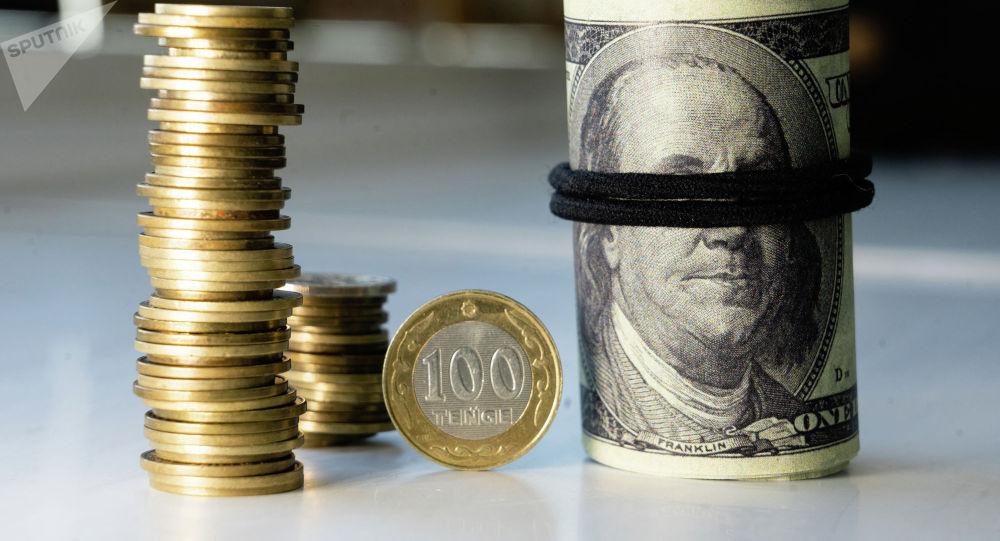 Как бизнесу избавиться от зависимости от доллара?
