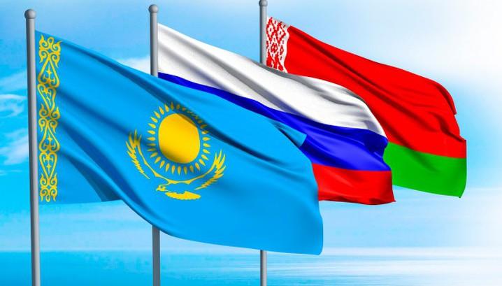Премьер Казахстана обсудил с главами правительств РФ и Белоруссии взаимодействие в ЕАЭС