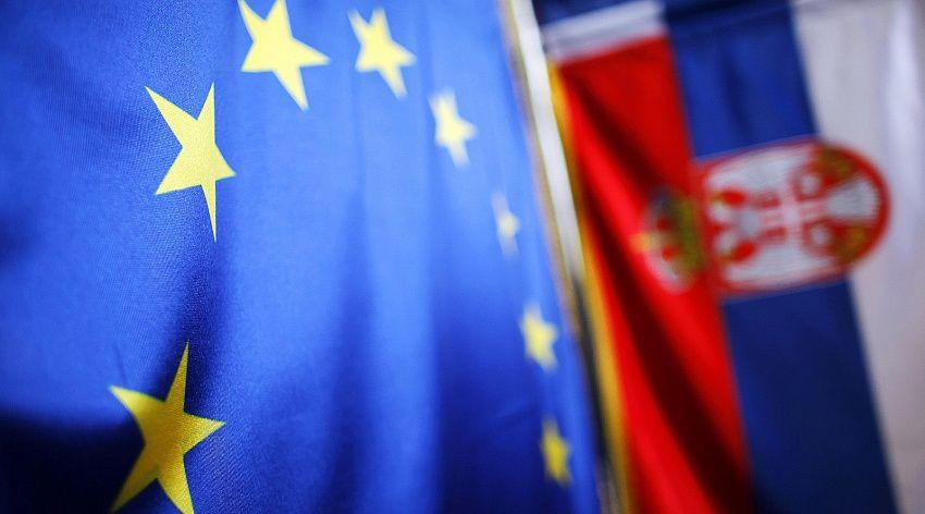 Парламентские выборы грозят Сербии новым политическим кризисом
