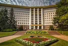 Центр власти в Молдове перемещается в парламент