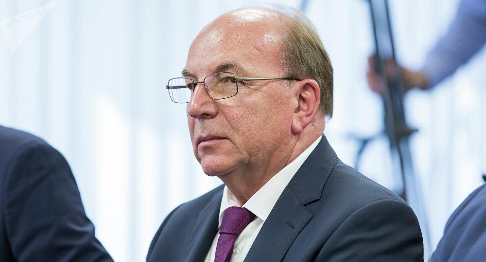 Посол России в Молдове Олег Васнецов поздравил соотечественников с Днем Конституции